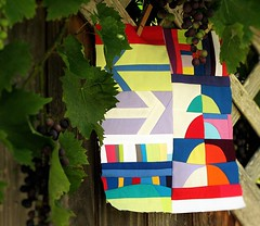 fr Kerstin (Lizinnie) Tags: 12bowleggedcurvybees patchwork improvisieren impro improvisation liberated wonky curvy bunt colorful