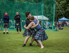 Ben Johnstone & Greg Neilson: Backhold Wrestling (FotoFling Scotland) Tags: scotland event balloch highlandgames lochlomondhighlandgames