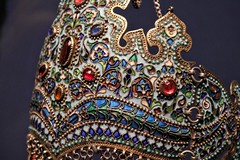 Bejeweled Headpiece ( mary shanahan ) Tags: chicago jems jewels crown ruby sapphire turquoise gold headpiece asia art museum
