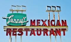 Larry's Mexican Restaurant (Rob Sneed) Tags: usa texas richmond larrysmexicanrestaurant highway90a brazosriver restaurant texmex neon vintage ftbendcounty advertising texana americana stars rust