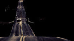 ..... (Francesc Candel) Tags: coche card carretera road noche night light luces azul blue negro black