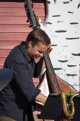 VFI_1466 (Ville.fi) Tags: raahe rantajatsit rajatsi jazz ruiskuhuone festival beach lauantai2016 mikko innanen 10 mikkoinnanen alttojabaritonisaksofonipaulilyytinen tenorijasopranosaksofonijussikannaste tenorisaksofoniverneripohjola trumpettimagnusbrooswe trumpettijarihongisto pasuunamarkuslarjomaa pasuunaseppokantonen pianovilleherrala kontrabassoeerotikkanen kontrabassojoonasriippa rummutmikakallio rummut