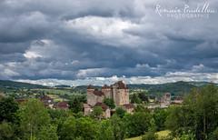 Ciel nuageux sur Curemonte (Romain Pradellou) Tags: architecture paysage correze limousin patrimoine curemonte jaimelafrance