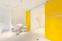 Altro Showroom London 2016-Altro resins-Altro Whiterock White-Altro Whiterock Chameleon-Altro Whiterock doorset-21 (Altro USA) Tags: whiterock white walls showroom retail resin grey generalareas chameleon yellow