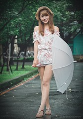 jaylin-0062 ( Jaylin) Tags: school portrait girl hat rain studio outside glasses model women university longhair taiwan straw olympus oldhouse dresses taipei mirco turf omd   jaylin m43   40150mm mzd  jelin      linjay