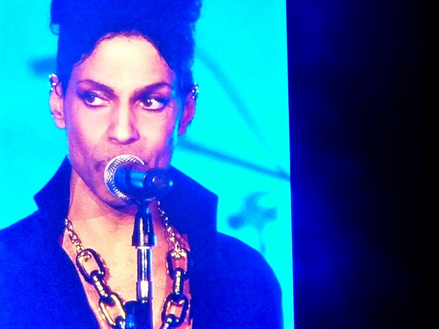 Prince - Welcome 2 America (Euro Tour 2011) - Stade de France, Paris (2011)