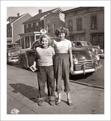 Fashion 0271-41 (Steve Given) Tags: socialhistory familyhistory fashion girls teens teenagers friends