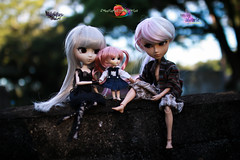 Hand and Hand (dreamdust2022) Tags: alvarie kind strong wise loving father fairy king man taeyang suigintou evil sadness pain passion fear power darkangle pretty princess sweetiepiestrawberries cute charming happy hug kiss playful tender sweet little young baby pink girl pullip doll