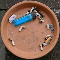 ash tray (Leo Reynolds) Tags: xleol30x squaredcircle panasonic lumix fz1000 ashtray ash tray xxx2016xxx