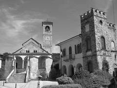 Carpugnino (VB) - Parrocchiale di San Donato e San Grato. (frank28883) Tags: carpugnino brovellocarpugnino verbanocusioossola vergante chiesa parrocchiale romanico palazzo monumentonazionale cappelle viacrucis scalinata campanile