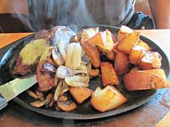 Applebee's Dinner4 (annesstuff) Tags: annesstuff jacksonville applebees steak brunchburger hamburger