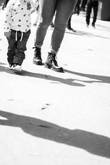 Pienas y sombras / Legs and shadows (Alvimann) Tags: alvimann canon canoneos550d canon550d canoneos paople gente shadow sombra sombras shadows woman women mujer mujeres nio kind nios kids blackandwhite black negro white blanco blancoynegro