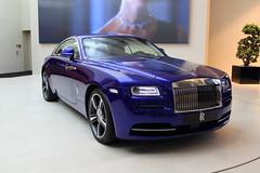 Rolls-Royce - BMW-Welt (Selfmade//MJ.V) Tags: auto blue car germany munich mnchen deutschland rich rolls teuer blau expensive luxus royce reich