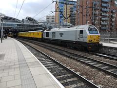 Leeds (DarloRich2009) Tags: yorkshire leeds westyorkshire dbs leedsstation ews ecml leedscitystation class67 leedsrailwaystation 67029 dbschenker englishwelshandscottishrailway royaldiamond dbschenkerrailuk
