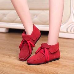#รองเท้าผ้าใบ #รองเท้าหนังแท้ #lotusnoss แฟชั่นเกาหลีหุ้มข้อสไตล์หนังกลับ นำเข้า ไซส์34ถึง40 - พรีออเดอร์RB2256 ราคา2250บาท รหัสสินค้า : RB2256  ขนาดรองเท้า : 34-40  ส้นหนา : 2 ซม.  วัสดุ : LEATHER  สี : น้ำตาล/ดำ/แดง/น้ำเงิน โทรสั่งของกับ พี่โน๊ต/พี่เจี๊