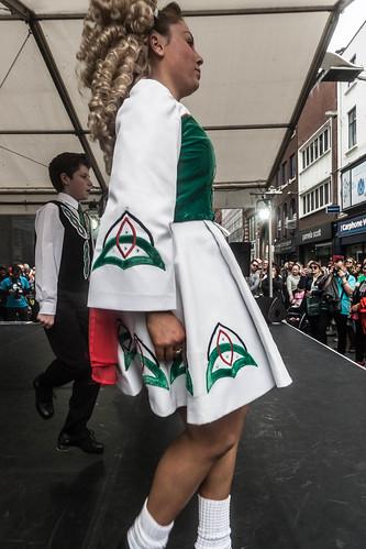 DANCING IRISH STYLE [HENRY STREET ]REF-104346