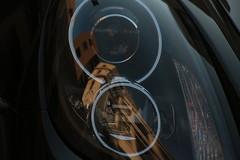 Dans les yeux d'une Porsche (Pi-F) Tags: monument yeux reflet porsche phare beyrouth liban