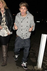 (One Direction Archive) Tags: uk london fulllength sneakers bluejeans baggy nikes xfactor baggytrousers doublebreasted greysweater niallhoran