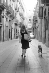 """FEMME AVEC CHIEN"" (reloaded) (manoruo) Tags: ilford hp5 blackandwhite blancoynegro bw byn filmisnotdead ishootfilm chien perro dog gos femme"
