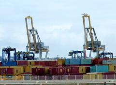 Le Havre - Terminal conteneurs Port 2000 (Philippe Aubry) Tags: normandie seinemaritime paysdecaux pointedecaux lehavre port port2000 conteneurs terminalconteneurs grues portiques
