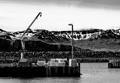 Marina (u.giommetti) Tags: biancoenero blackandwhite porticciolo marina mare sea montagna montain islanda iceland europa europe cielo sky