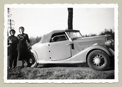 Renault Monaquatre Cabriolet-Spider (Type YN4) (Raymondx1) Tags: ladies woman white black classic cars car lady vintage photography photo women automobile foto renault sw motor blackwhite monaquatre typeyn4 cabrioletspider
