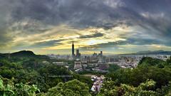101 () (szintzhen) Tags: sunset sky cloud skyscraper taiwan photomerge taipei101      taipeicity    101 sunglow