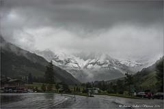 La pujada es posava lletja.  (Els Alps - Austria) (Antoni Gallart i Vilarrasa) Tags: road snow mountains alps rain clouds alpes landscape austria lluvia carretera nieve paisaje neu montaas d800 paisatge nvols pluja muntanyes