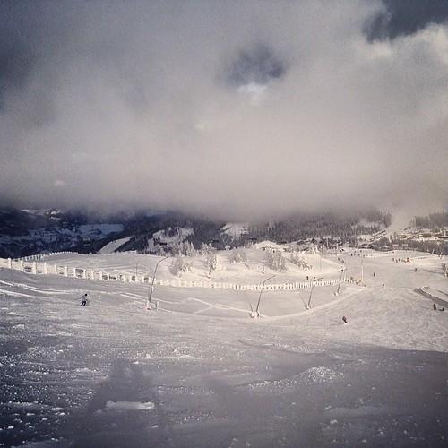 #snowbaar #snowscoot #snowpic #snowbike #snowboarding #katschberg #landal #snowchaos #snowalert #bestview #picoftheday #instagood #instagood #burtonsnowboarding #vanssnowboarding #analogsnowboarding #k2 #burton #vans #analog #snowkiller #gamskogelexpress
