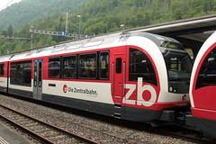 Zentralbahn ZB Gelenktriebwagen ABeh 160 003 FINK ( Flinke innovative Niederflur Komposition  3 - teilig => Triebwagen der Firma Stadler Rail ) am Bahnhof Interlaken Ost im Berner Oberland im Kanton Bern der Schweiz (chrchr_75) Tags: train schweiz switzerland suisse swiss eisenbahn zug mai zb christoph svizzera bahn treno schweizer berner berneroberland oberland suissa 2015 zentralbahn chrigu bahnen kantonbern chrchr hurni chrchr75 chriguhurni albumbahnenderschweiz chriguhurnibluemailch albumzentralbahn albumbahnenderschweiz201516 albumzzzz150522ausflugberneroberland albumzzz201505mai hurni150522