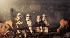 Leading Troops (melix200) Tags: lego legomania legogroup legofan legostarwars legopic legotoy legomoc legoart legoscene star wars helmet blaster stormtrooper toy bricks desert mission empire battle battlefront war set scene rocks moc minifigure troop troopers plastic light dust jakku night