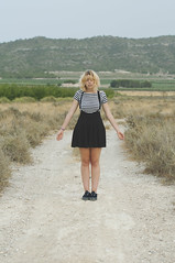 (Mishifuelgato) Tags: portrait de photography 50mm nikon camino retrato negro salinas alicante laguna 18 sax belen vestido piernas simetria d90