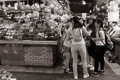 012803 - Barcelona (M.Peinado) Tags: monocromtico blancoynegro byn blackandwhite bw frutas mercadodesanjos mercatdesantjosep laboquera rambladesanjos rambladesantjosep larambla lasramblas lesrambles barcelona provinciadebarcelona catalua espaa spain 17062016 juniode2016 2016 canoneos60d canon copyright