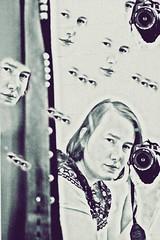 Observe (One-Basic-Of-Art) Tags: augen eyes yeux canon fotografie foto photography canoneos canoneos350d portrait surreal portrt 1basicofart annewoyand people mensch menschen photoscape dream observe beobachten