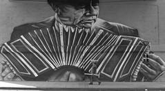 (Claudio Blanc) Tags: street blackandwhite art blancoynegro graffiti buenosaires streetphotography fotografiacallejera