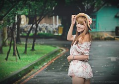jaylin-0076 ( Jaylin) Tags: school portrait girl hat rain studio outside glasses model women university longhair taiwan straw olympus oldhouse dresses taipei mirco turf omd   jaylin m43   40150mm mzd  jelin      linjay