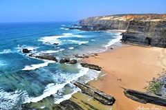 Le sentier des pcheurs (1) (tione76) Tags: nikon d5300 tione76 couleur colors sky beach plage mer sea water eau falaises cliff sable sand portugal
