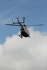 Rettungshubschrauber am Pferdskopf / Wasserkuppe 160814_120 (jimcnb) Tags: 2016 august wasserkuppe rhn hessen hubschrauber polizei helicopter dhheb
