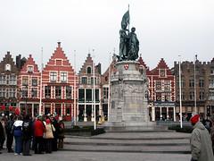 Place du Markt à Bruges (alain_halter) Tags: statue place belgique façades maisons bruges touristes faades régionflamande