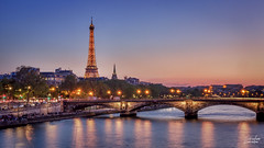 Ville de lumires (Seb Coucou) Tags: 3 paris france seine canon tour lumire eiffel pont alexandre hdr 1585