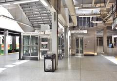 DSC_1459 (billonthehill2001) Tags: boston subway mbta governmentcenter greenline blueline