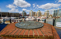 The Cut to the Thames August 2016 (9 of 42) (johnlinford) Tags: canal canon canonefs1022 canoneos7d docklands limehouse london marina uk urban landscape