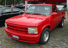 Dakota (The Rubberbandman) Tags: street mag show hannover hanover dodge dakota pickup pick up truck america american awesome car cool cummins diesel engine flatbed german germany powerful red ride strong turbo us usa vehicle fahrzeug outdoor auto linien