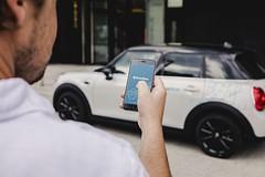 DriveNow, il car sharing nato dalla joint venture tra BMW Group e Sixt SE,  attivo in diverse citt dEuropa e offre una gamma di veicoli di alta qualit dei brand BMW e MINI con le modalit di noleggio di free floating. I veicoli possono essere prenotat (edoardoorefice) Tags: auto bmw bmwgroup carsharing drivenow mini milan milano sixtse automobile freefloating mobilit veicoli veicolo