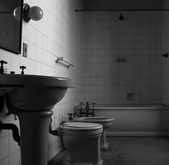 Bathroom (Marcos Jerlich) Tags: catete palacio riodejaneiro bathroom blackandwhite bw contrast light canon700d canont5i canon brazil lightroom marcosjerlich