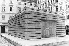Judenplatz Holocaust Memorial, Vienna (ekqwert) Tags: vienna monochrom shoa memorial