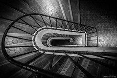 Helix (JP Defay) Tags: architecture urbanarchitecture urbain blackandwhite monochrome blackwhitephotos black noiretblanc noir escalier spirale