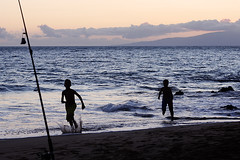 Kihei sunset run (Gordana AM) Tags: wwwgordanaphotocom gordanamladenovic gordana photography photographer photo portcoquitlam bc britishcolumbia vancouver lowermainland canada lepiafgeo hawaii kihei maui beach summer vacation july ocean waterfront sunset sky clouds water pacific active waves wavy boys running two silhouettes purple fishing pole bell splash fun joy boyhood childhood after golden hour