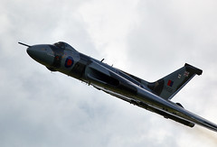 Vulcan (Bernie Condon) Tags: classic vintage flying display aircraft aviation military airshow vulcan preserved bomber warbird raf warplane cosford xh558 polane vtts avroi