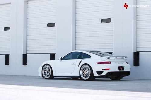 Porsche 911 Turbo S в апгрейде Supreme Power